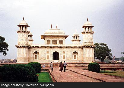 Tomb of Itmad-ud-daula agra India