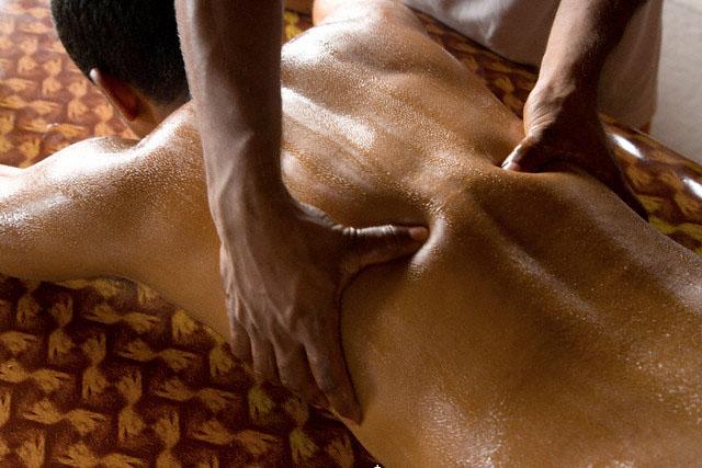 ayurveda herbal massage tour india