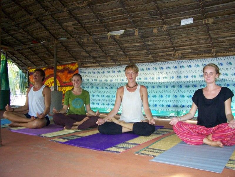 yoga retreat holidays india